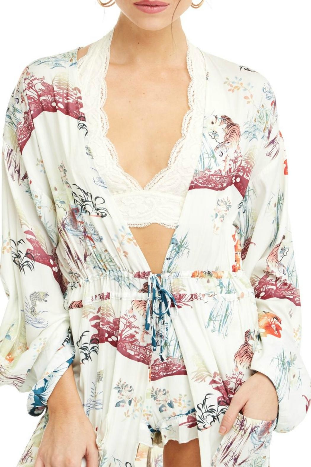 Patrons of Peace In Bloom Kimono - Side Cropped Image
