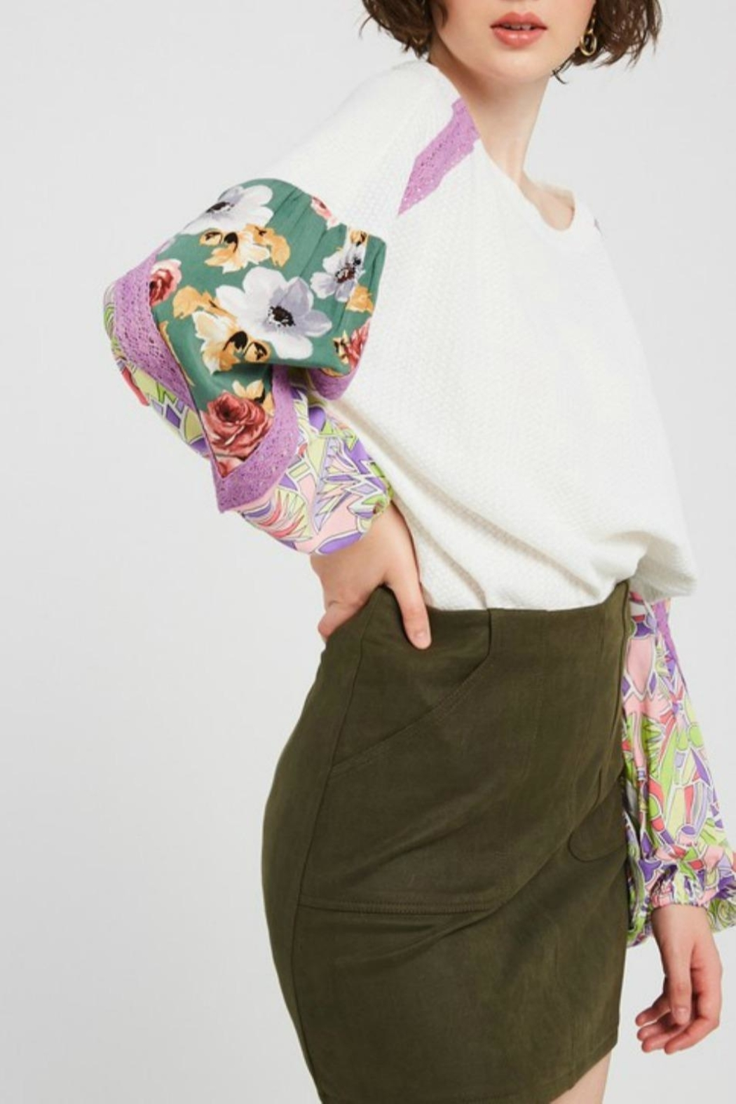 Listicle Pattern Mix Sleeve - Side Cropped Image