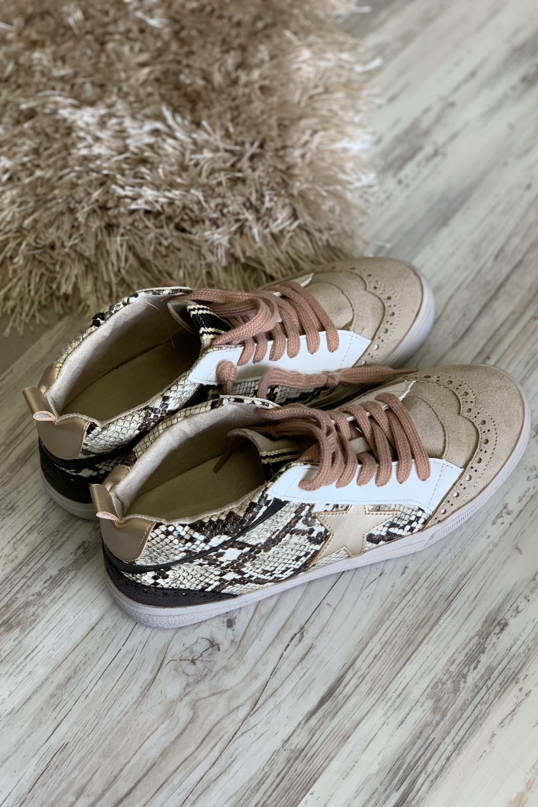 Shushop Company Paulina sneaker - Front Cropped Image