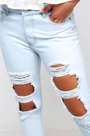 Peach Love California Destroyed Mom Jean - Back cropped