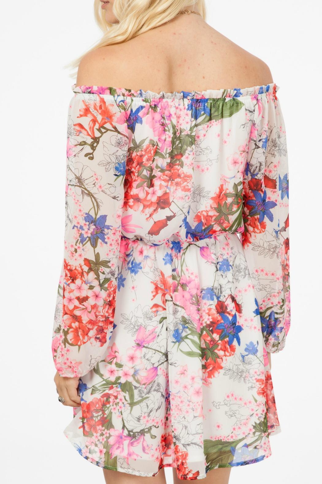 Peach Love California Floral Print Dress - Side Cropped Image