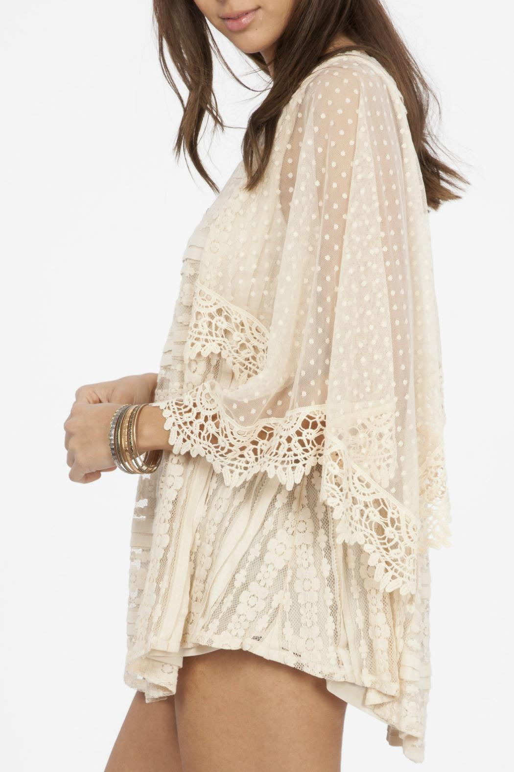 Peach Love California Lace Flowy Top - Side Cropped Image