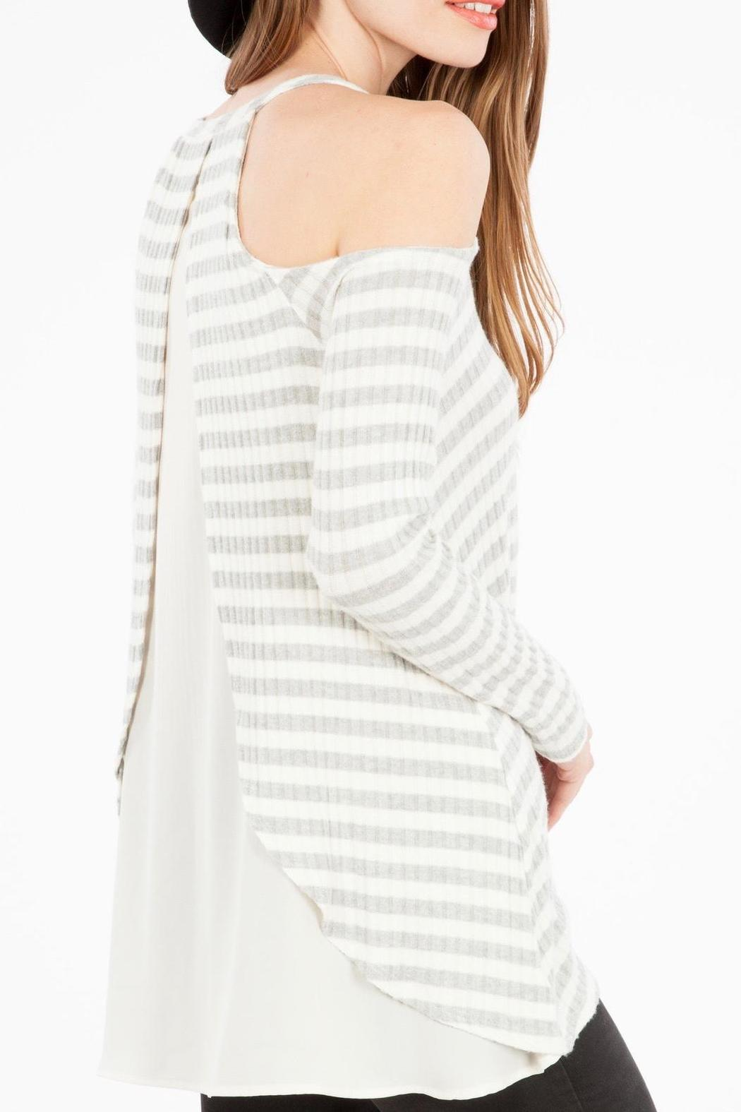 Peach Love California Open Shoulder Top - Side Cropped Image