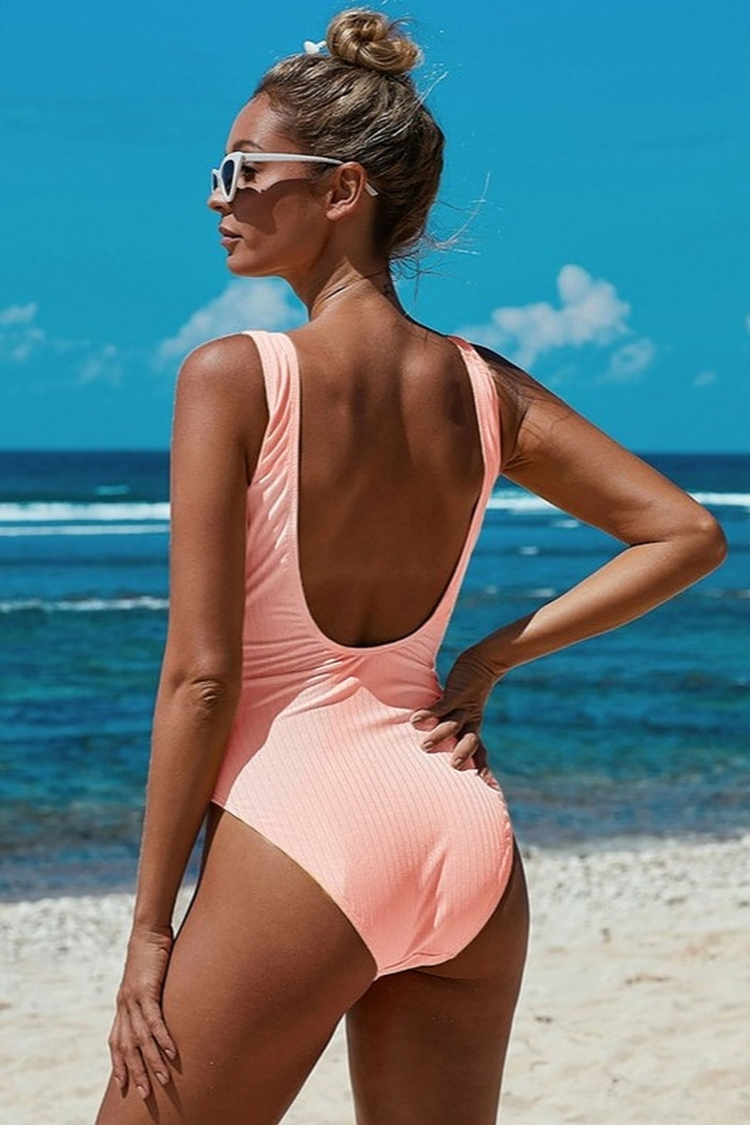Shiying  Peachy Keen One Piece - Side Cropped Image
