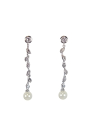 Diane's Accessories Pearl Drop Earrings - Product Mini Image