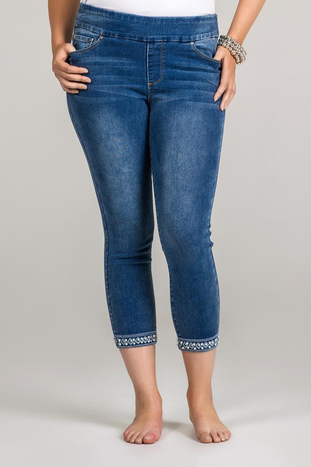 GG Jeans Pearl Hem Capri - Front Cropped Image