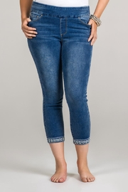 GG Jeans Pearl Hem Capri - Front cropped