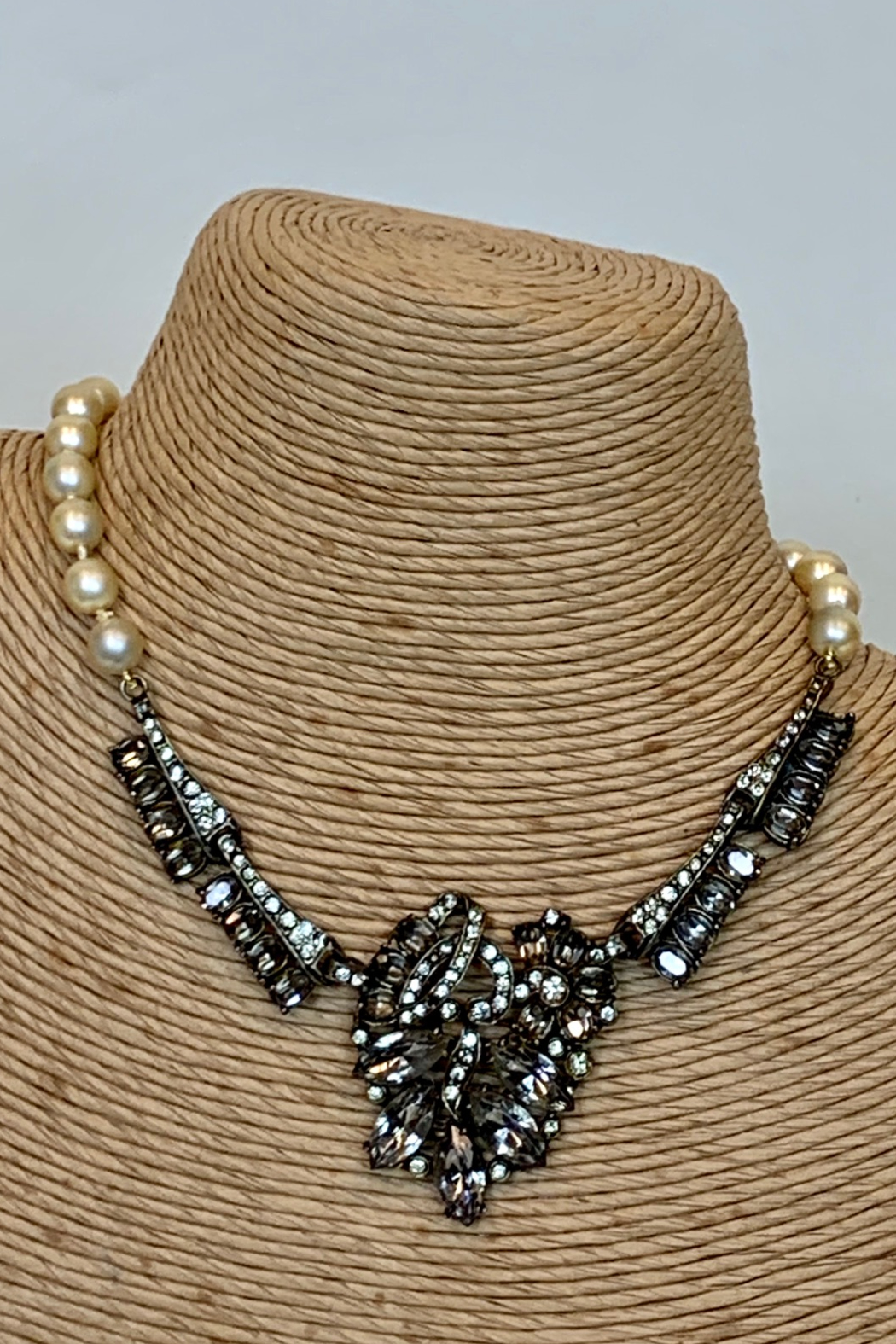 Dominique PEARL & HEMATITE NECKLACE - Main Image