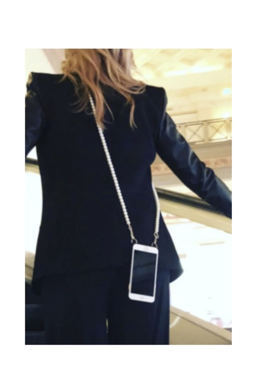 Hera Pearl Iphone Strap - Front Full Image