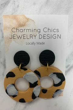 Charming Chics Pearl Leopard Earrings - Alternate List Image