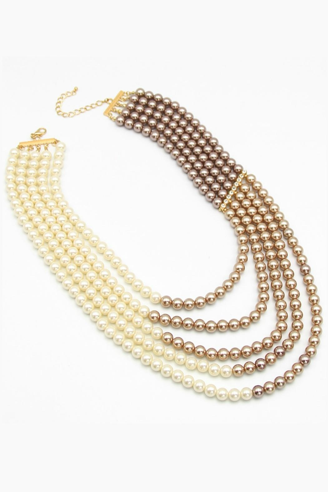 Embellish Pearl Ombre Necklace - Front Cropped Image