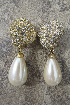 Sophia PEARL TEARDROP CLIP EARRING - Alternate List Image