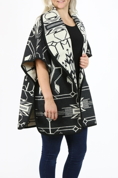 Pendleton Curve Cape - Alternate List Image
