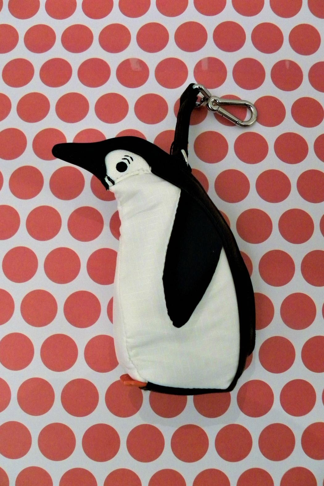 Vera Bradley Penguin W/collapsible Tote - Front Full Image