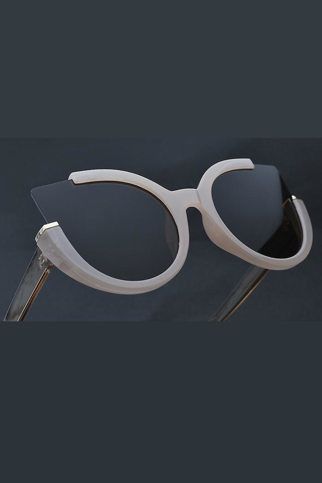 People Outfitter Abbey Cat Sunglasses-2 - Front Full Image