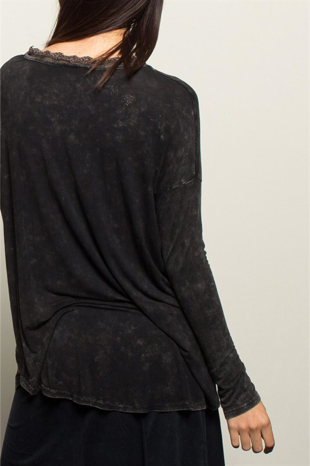 People Outfitter Black Stonewashed Tunic Top - Back Cropped Image