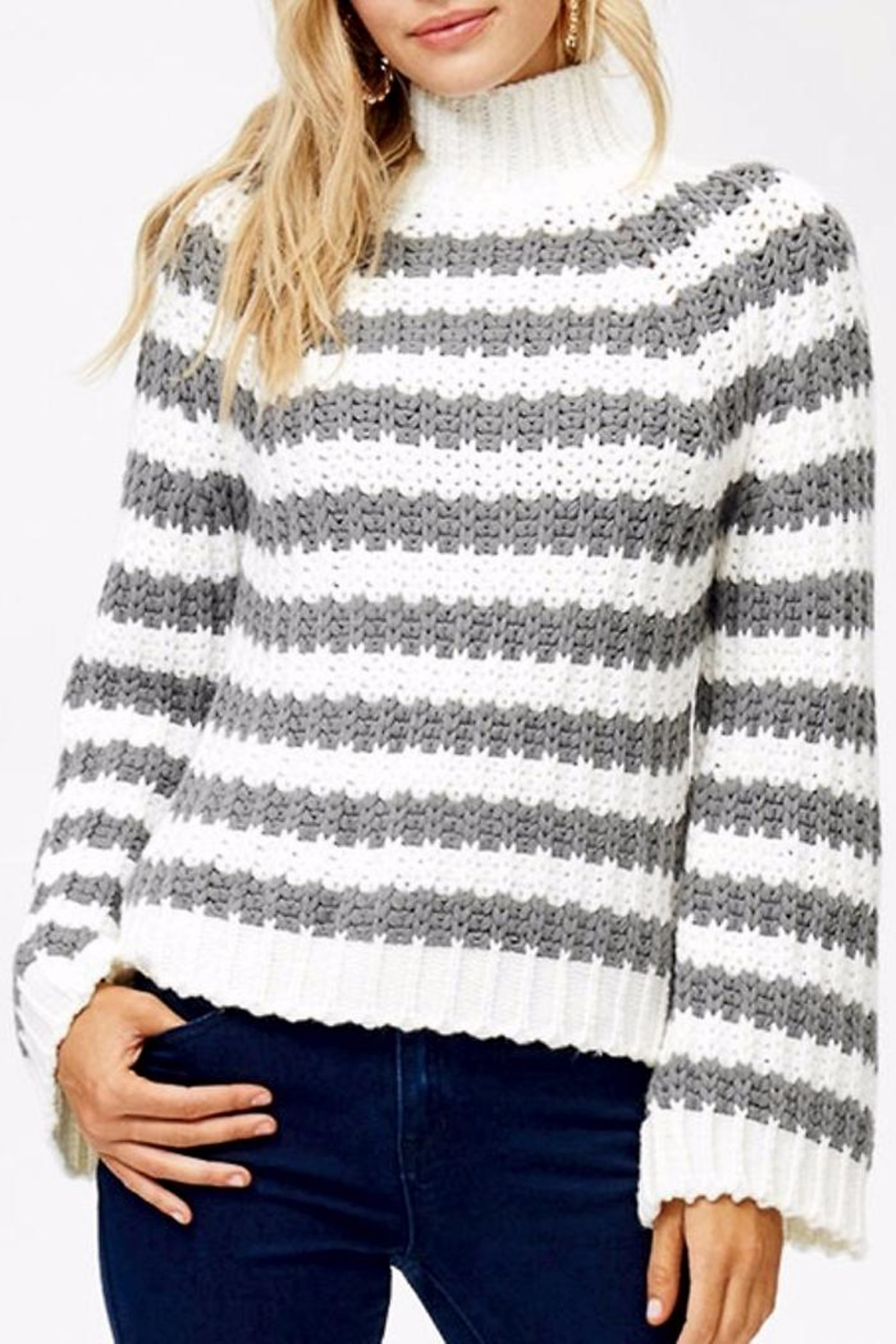 People Outfitter Brooke's Sweater - Side Cropped Image