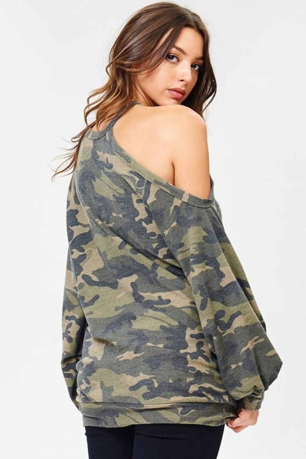 People Outfitter Camo Stay Pullover - Back Cropped Image