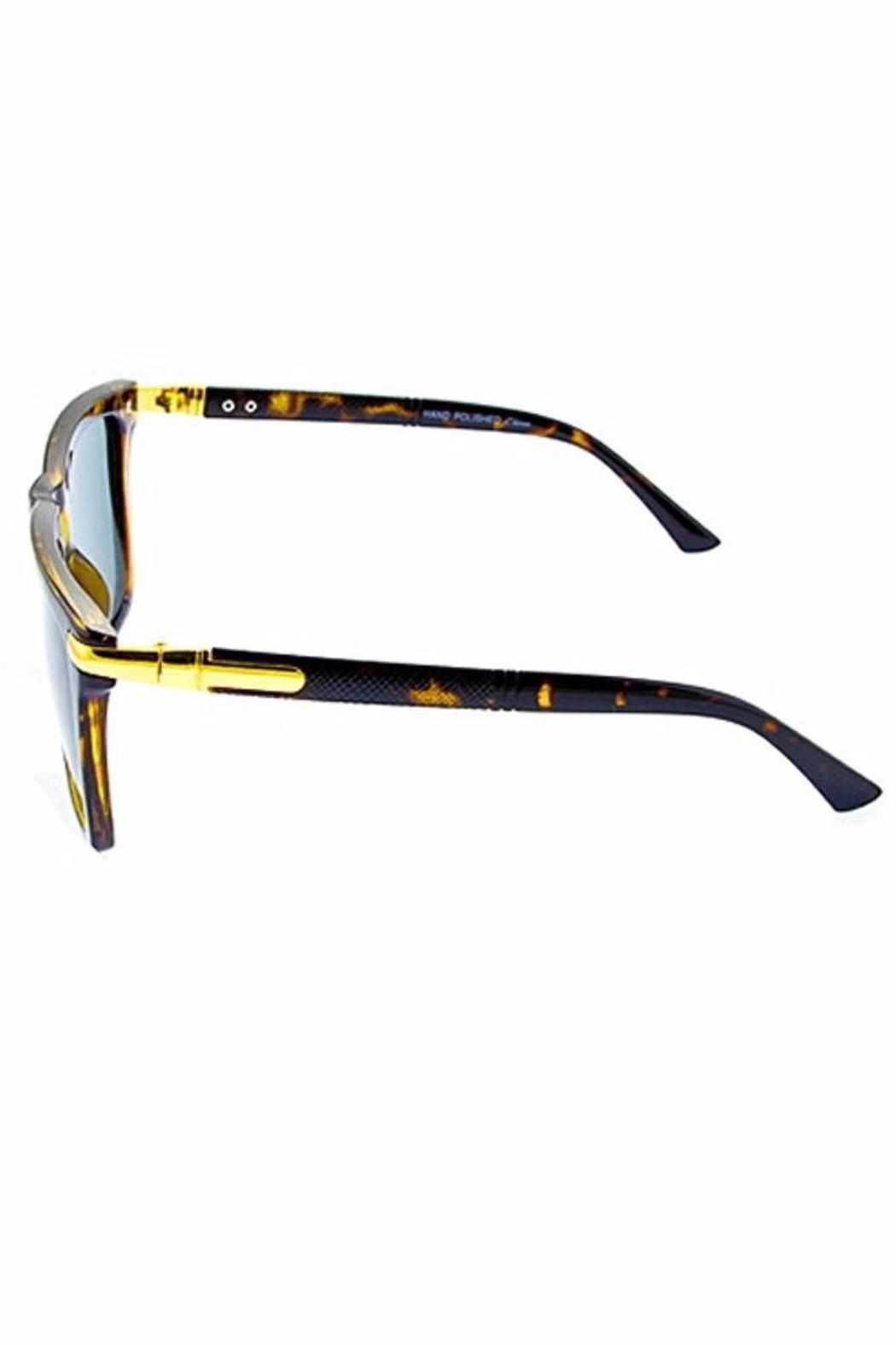 People Outfitter Charlie Wayfarer Sunnies - Front Full Image