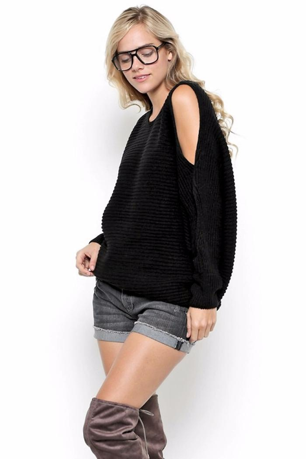 People Outfitter Courtney's New Sweater - Front Full Image