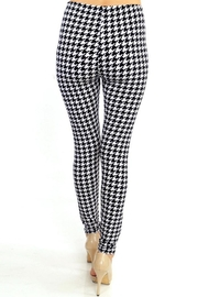 People Outfitter Houndstooth Legging - Back cropped