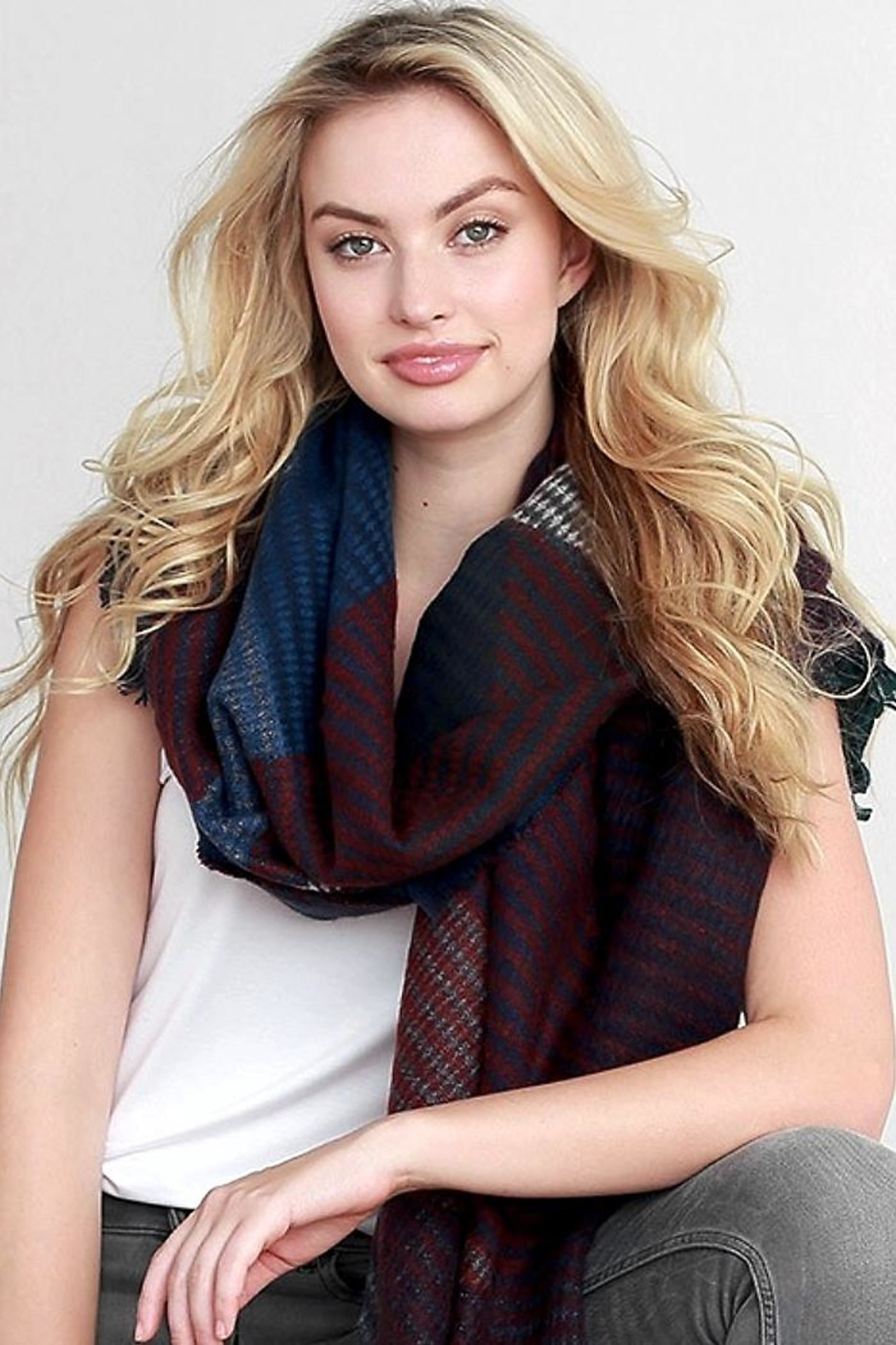 People Outfitter Kennedy Woven Scarf - Side Cropped Image