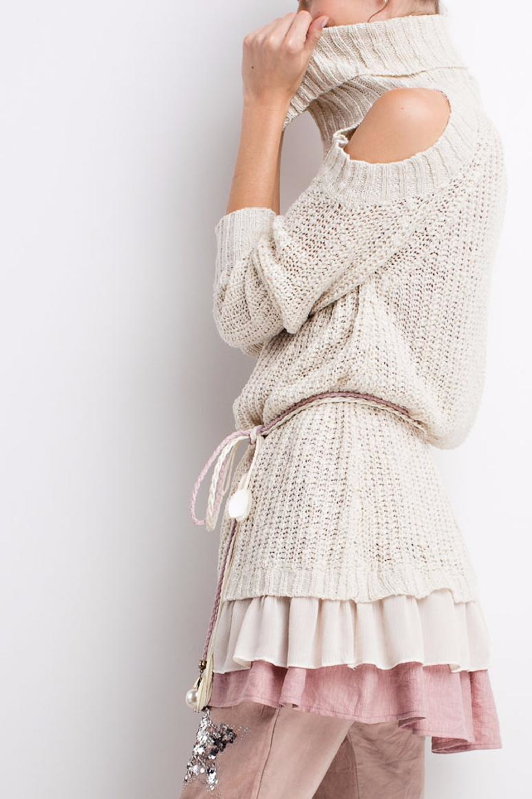 People Outfitter Ruffled Chunky Sweater - Back Cropped Image