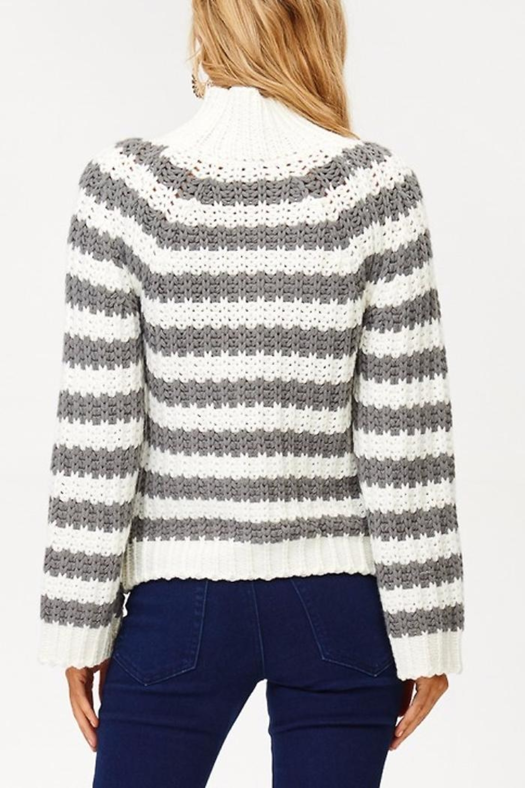 People Outfitter Wild Cat Sweater - Side Cropped Image