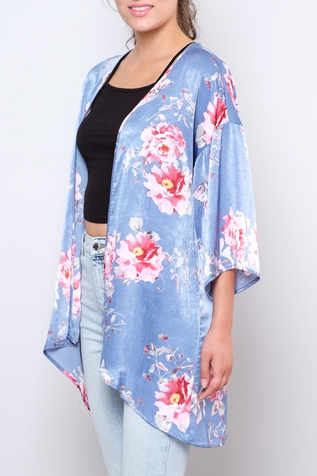 Peppermint Floral Satin Kimono - Side Cropped Image