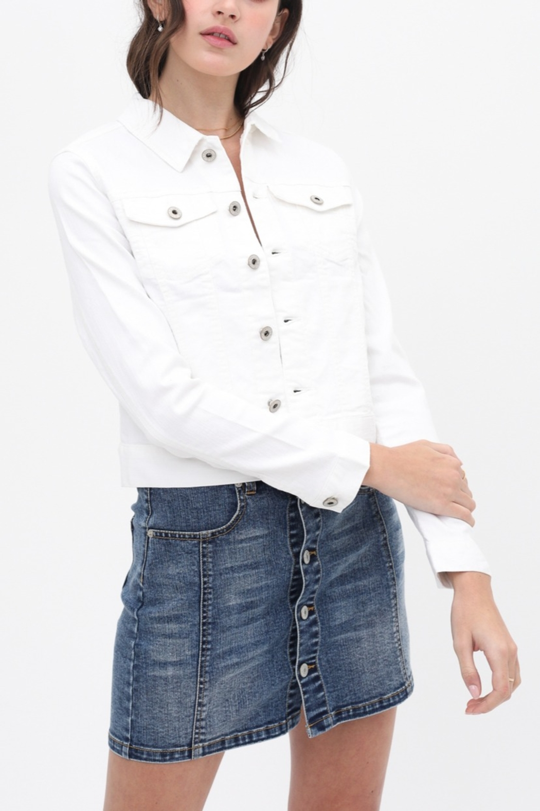 Lyn -Maree's Perfect White Denim Jacket - Front Cropped Image