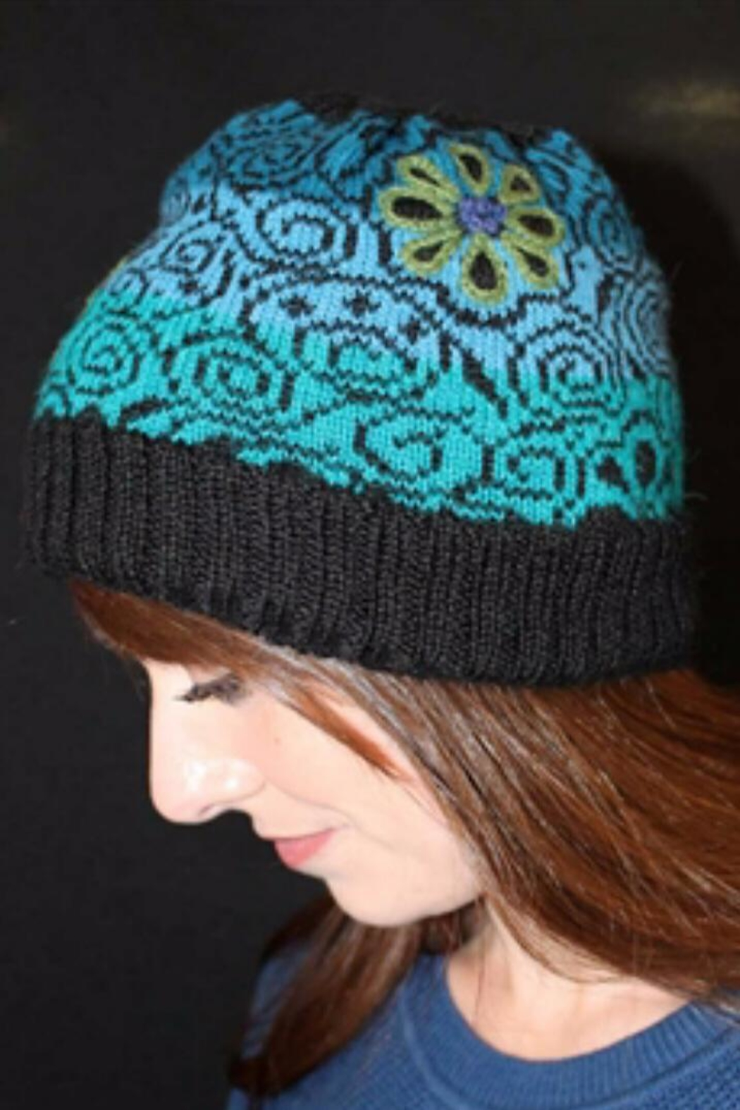 Peruvian Link Hat Lazy Daisy - Front Cropped Image