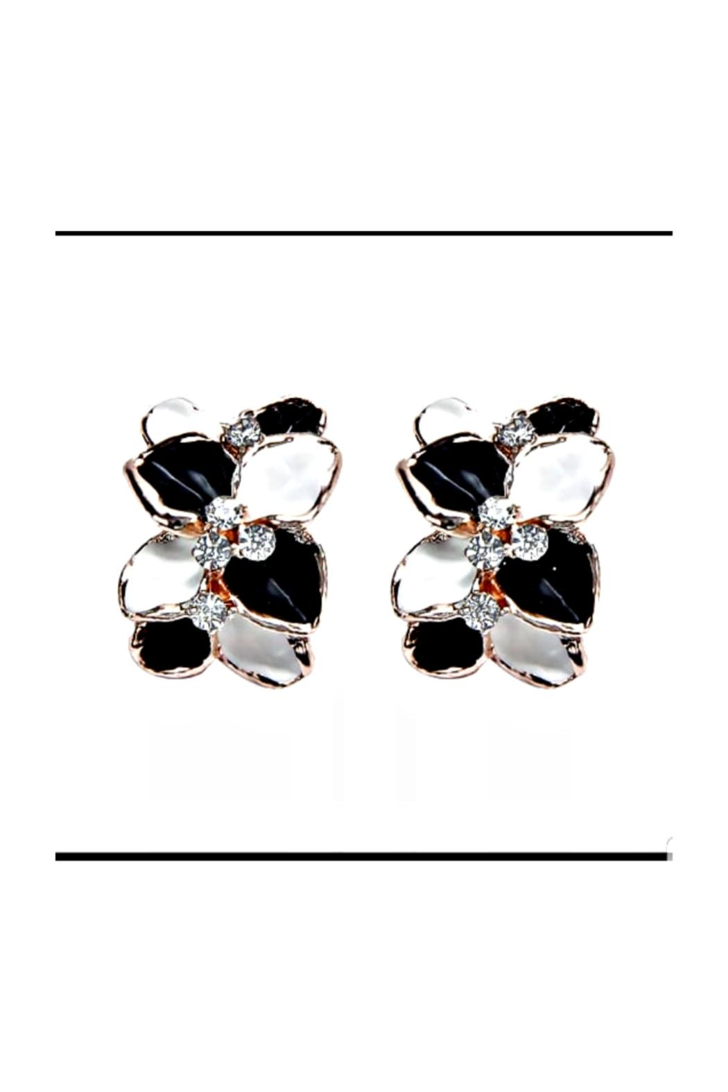 Petunias Orchid Earrings - Main Image