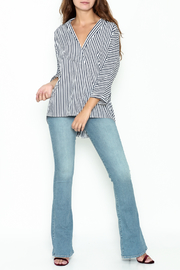 Pinkyotto Button Back Hi-lo Tunic - Side cropped