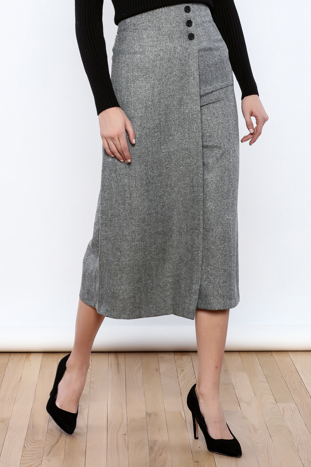Pinkyotto Button Over Culottes - Front Cropped Image