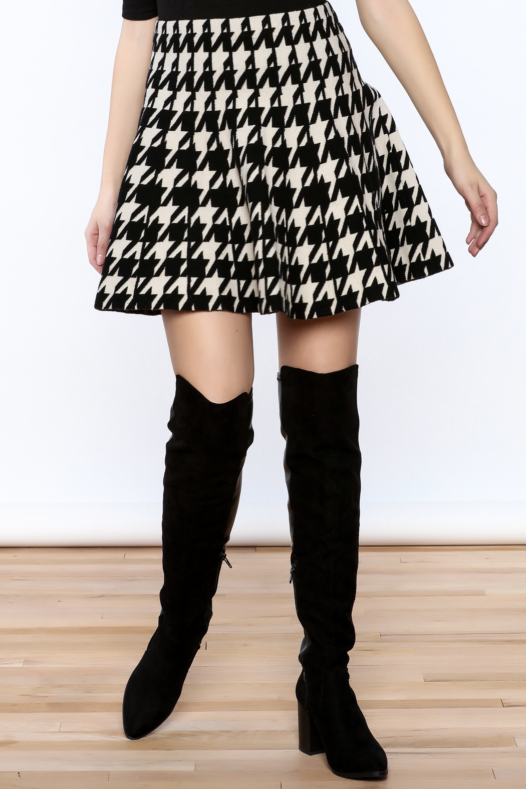 Pinkyotto Houndstooth Large Print Skirt - Front Cropped Image