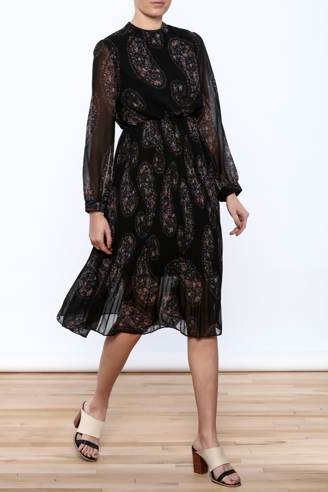 Pinkyotto Paisley Print Pleated Dress - Front Full Image
