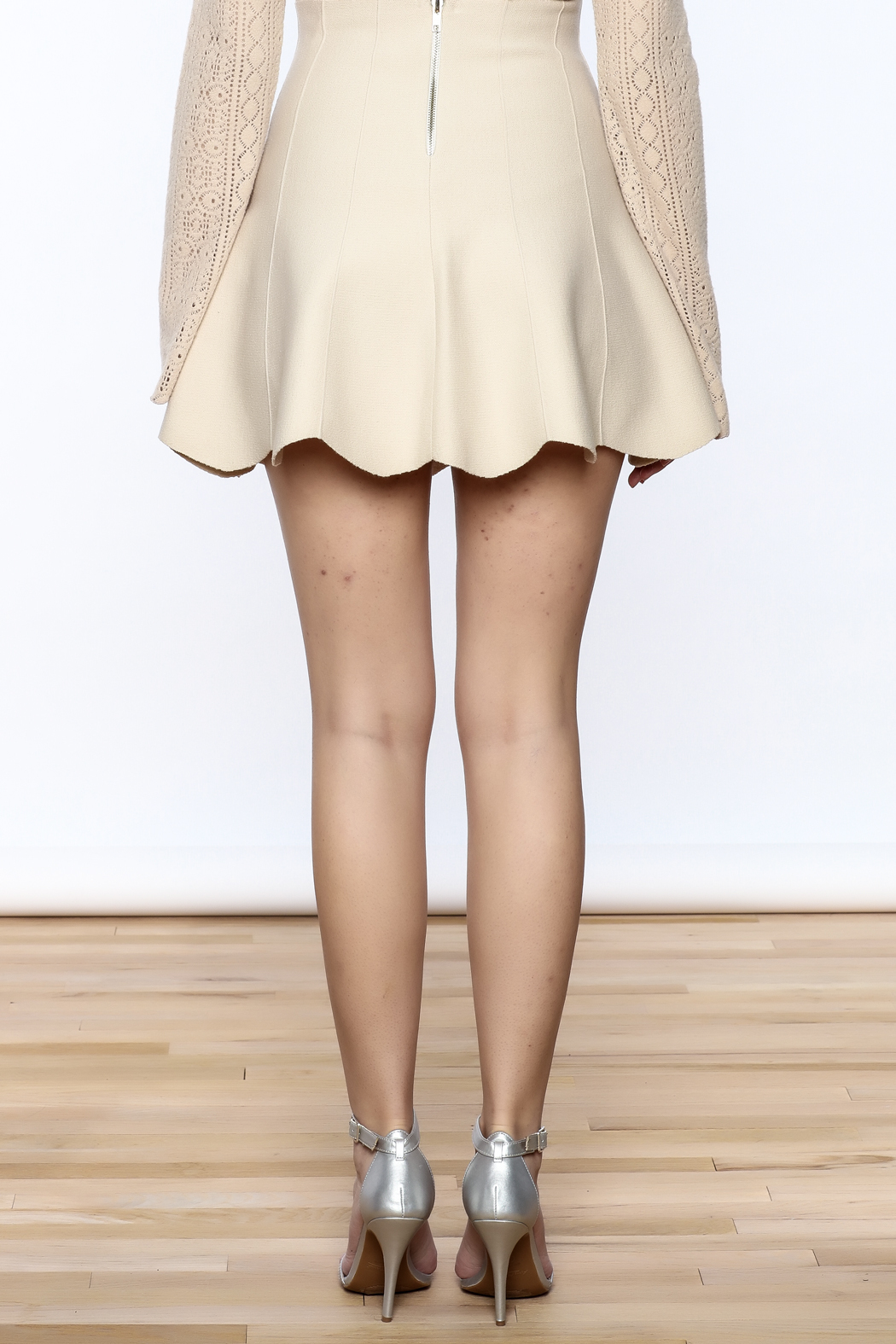 Pinkyotto Scalloped Edge Short Skirt - Back Cropped Image