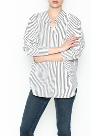 Pinkyotto Johnny Collared Top - Front cropped