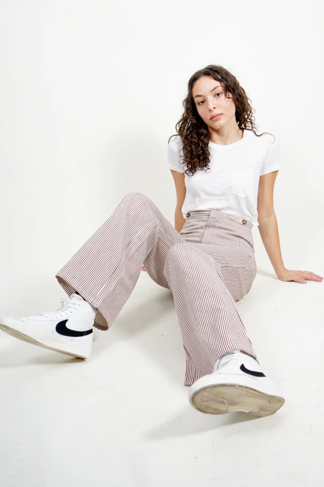 Saint Geraldine Pinstripe Spencer Pants - Side Cropped Image
