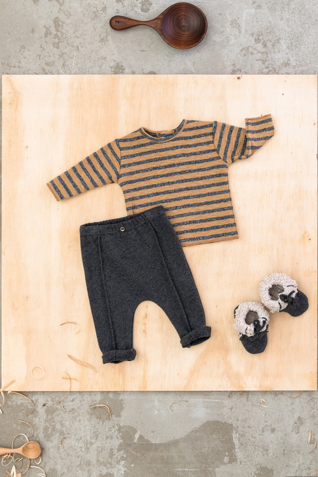 Play Up Organic Cotton Jersey Trousers For Boys - Side Cropped Image