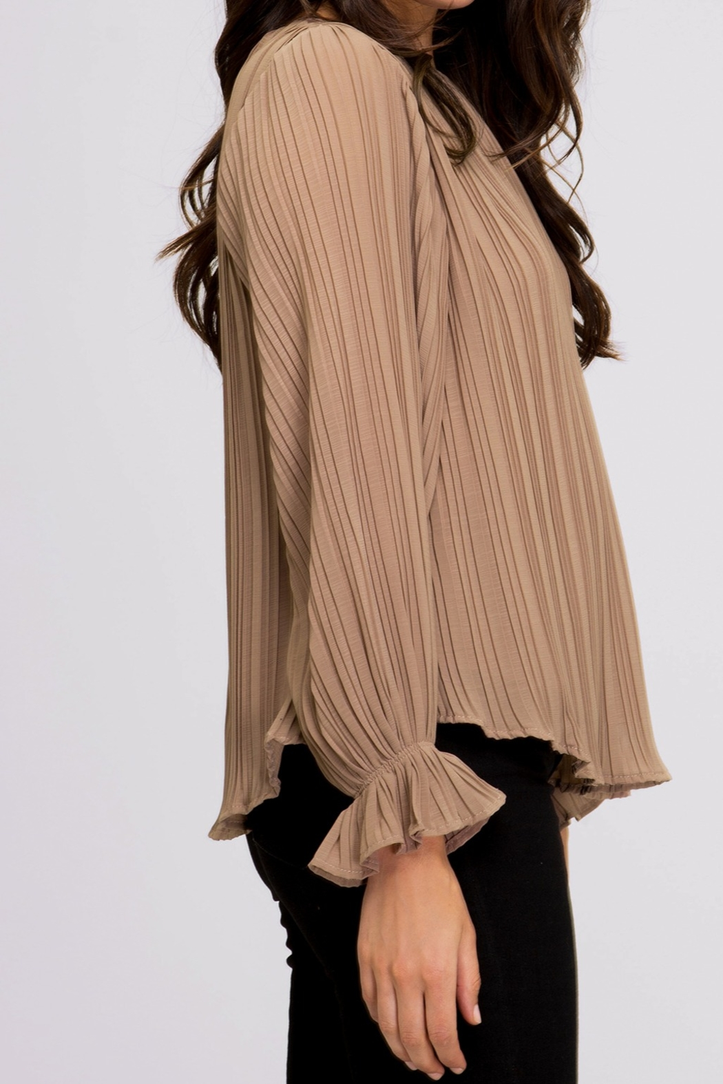 She and Sky Pleated Blouse - Side Cropped Image