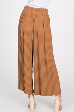 Ces Femme Pleated Cropped Pant - Alternate List Image