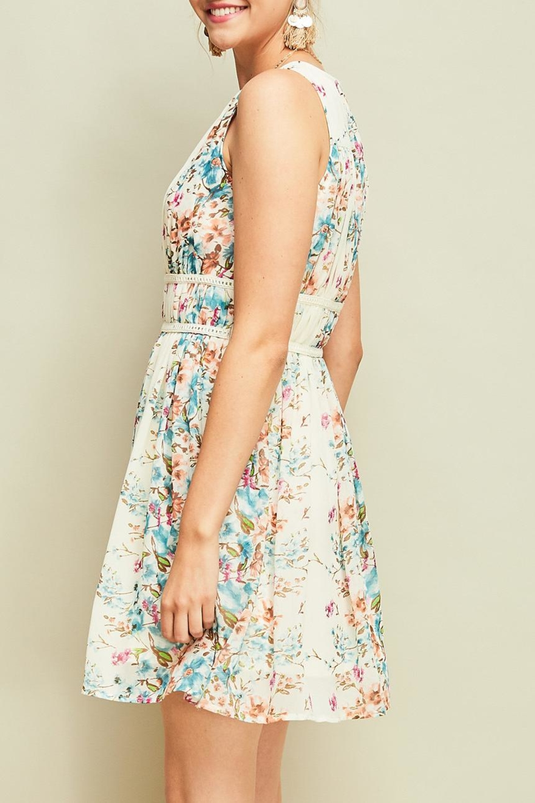 Entro Pleated Floral Dress - Back Cropped Image