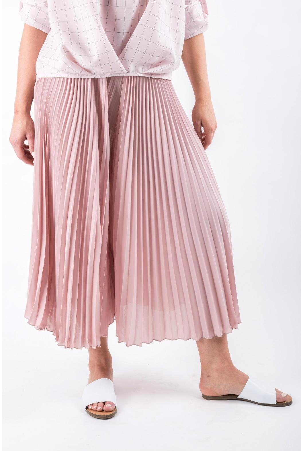 Yuki Tokyo Pleated Wide Culottes - Front Cropped Image