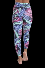 Liquido Active Plumage Legging - Side cropped