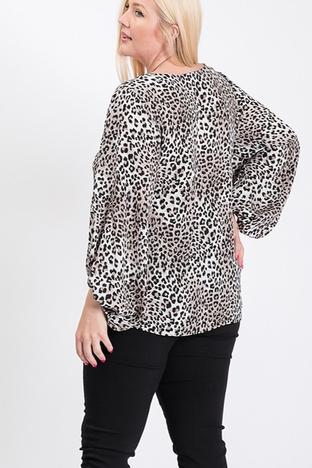 eesome Plus Size Animal Print Top - Side Cropped Image