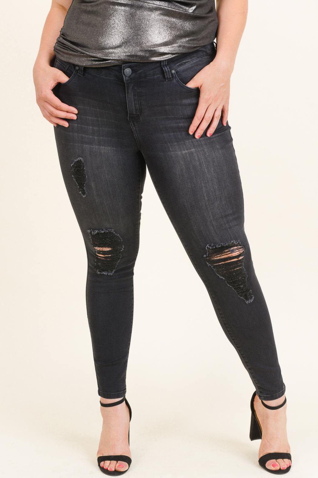 Celebrity Pink  Plus size distressed jeans - Front Full Image