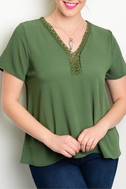 Zenobia Plus-Sized Green Top - Front cropped