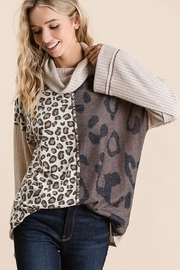 Bibi POINTELLE COWL NECK TOP WITH PRINT BLOCK - Front full body