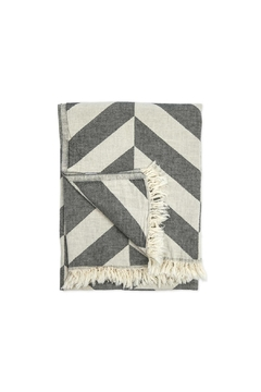 Pokoloko Chevron Body Towel - Alternate List Image